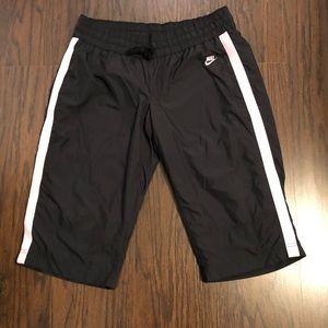 Nike pants sportswear capris size large